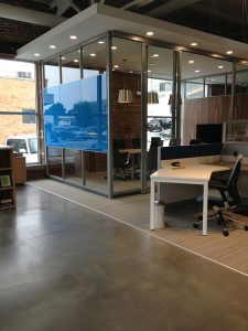 fri provides a wide variety of beautiful new or used office desks at price most businesses can afford our selection of new or pre owned desks are made by beautiful office desks san