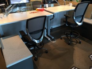 Height Adjustable Desks And Ergonomic Chairs For Businesses. Sit Stand